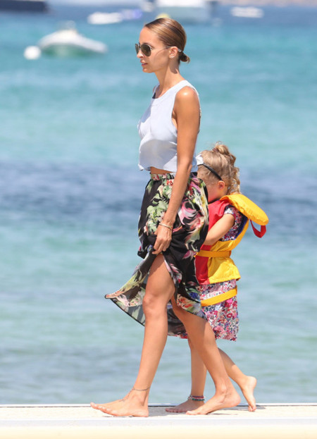 Nicole Richie look playa