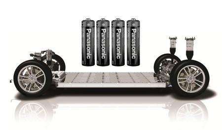 ¿Qué hay en el interior de una celda de batería Tesla? Nos lo enseñan en vídeo