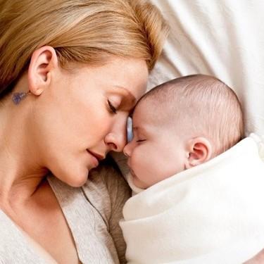 """""""Pensamientos que tienen las madres al finalizar el día"""", la publicación viral acerca de la carga mental que llevamos"""