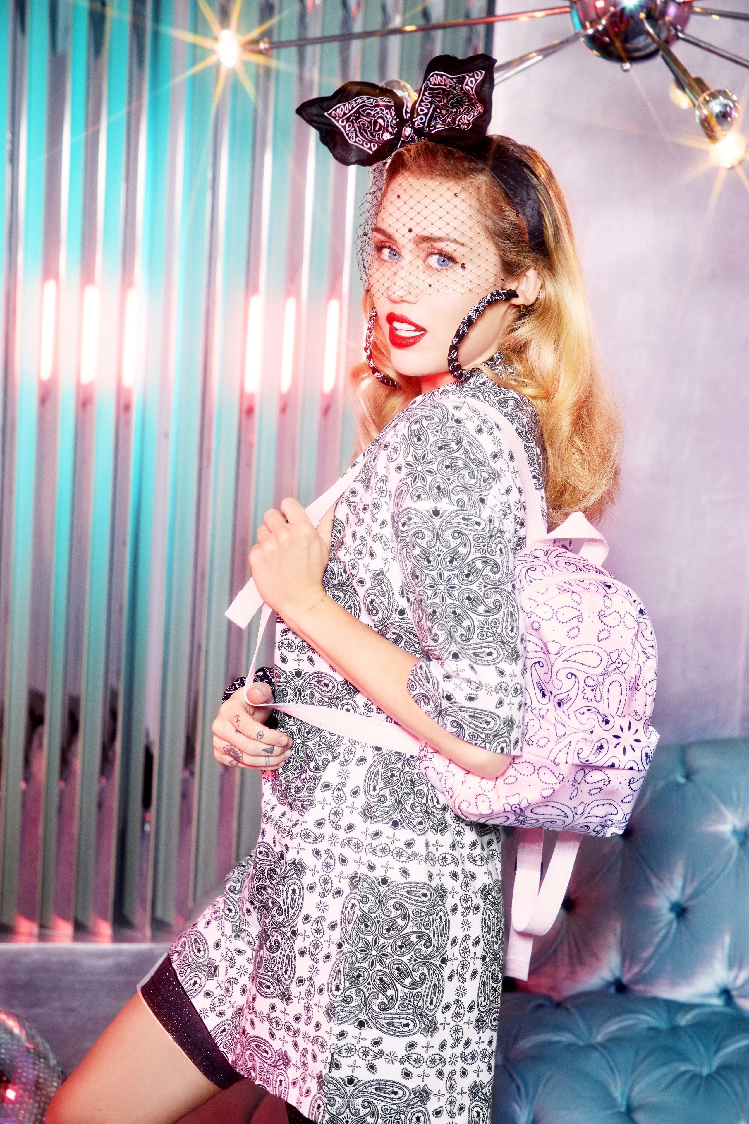 Foto de Converse x Miley Cyrus x Bershka (5/10)