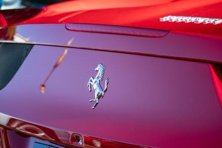 Ferrari contrata a AWS para mejorar sus coches: creará gemelos digitales de sus piezas en la nube para obtener datos de rendimiento antes de fabricarlas