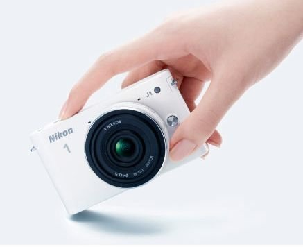 Nikon 1 se estrena con la J1 y V1, sus primeras sin espejo