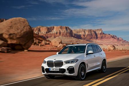 BMW X5 2019 delantera en carretera