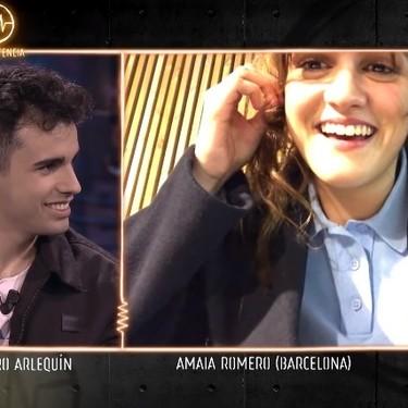 """La aparición sorpresa de Amaia durante la entrevista de Carolina Durante en 'La Resistencia': """"Este programa me impone bastante"""""""