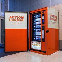 Esta máquina expendedora es gratuita y ha sido creada para personas sin hogar