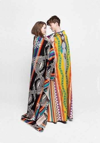 Lookbook de la Urban Outfitters Designed By Collection 2011