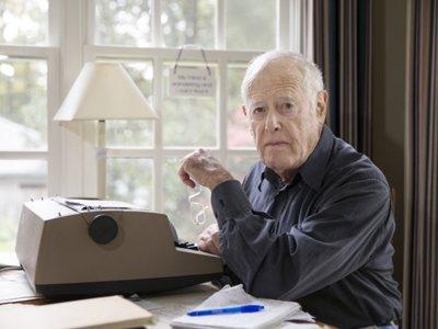 Muere el escritor estadounidense James Salter