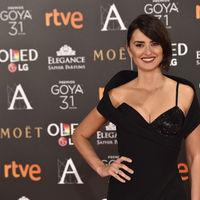 Premios Goya 2017: y menos mal que algunas le dieron un toque de color