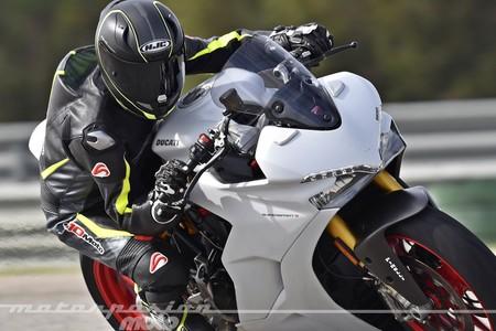 Ducati Supersport S 2017 019