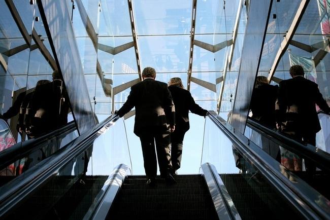 subir escaleras mecanicas