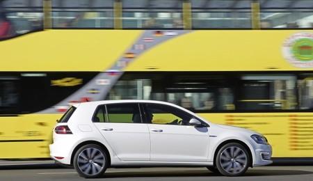 Alemania quiere abrir los carriles bus a los coches eléctricos