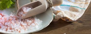 Los diferentes tipos de sal que puedes encontrar en el supermercado (y cómo puedes usarlos en la cocina)