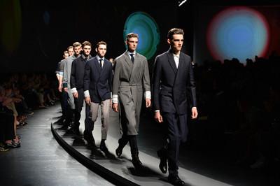 La elegancia moderna de Stefano Pilati llega a Milán de la mano de Ermenegildo Zegna
