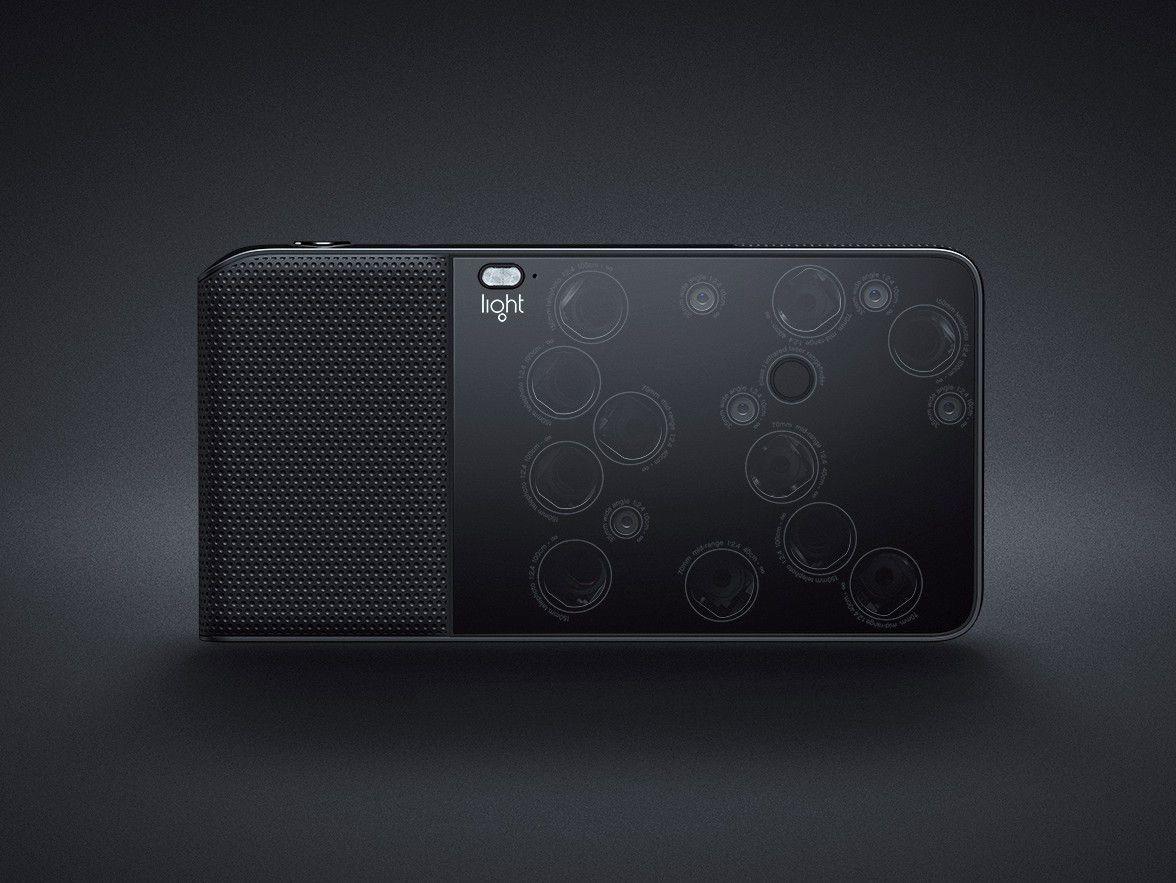 Light L16 cabe en el bolsillo y saca fotos de 52 megapíxeles gracias a sus 16 objetivos
