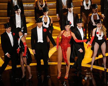 Zac Efron, Vanessa Hudgens y Beyonce en el escenario de los Oscars