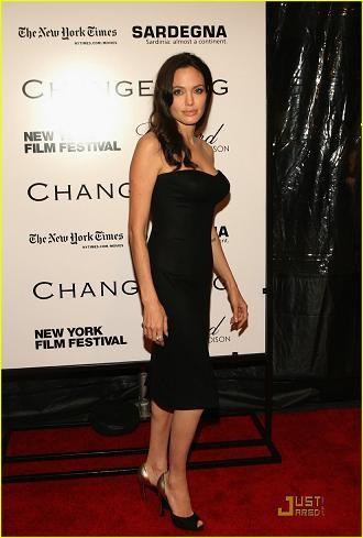 Los looks de Angelina Jolie en su reaparición sobre la Alfombra Roja