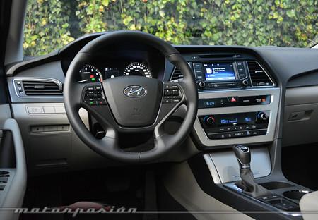 Hyundai Sonata Interior 3