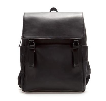 mochila negra zara