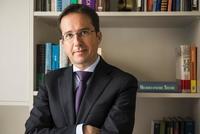 """José Ignacio Conde-Ruiz: """"Nos movemos hacia un sistema asistencial, con una pensión mínima de subsistencia igual para todos"""""""