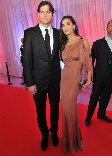 Demi Moore se una a la moda de los vestidos de Victoria Beckham