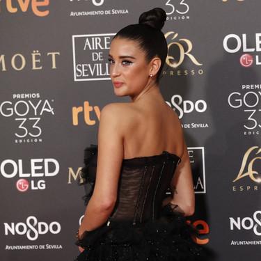 Premios Goya 2019: María Pedraza conquista a todos con un maquillaje de cine y un vestido lleno de volantes