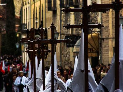 En silencio, España se ha convertido en una de las naciones menos religiosas de Europa