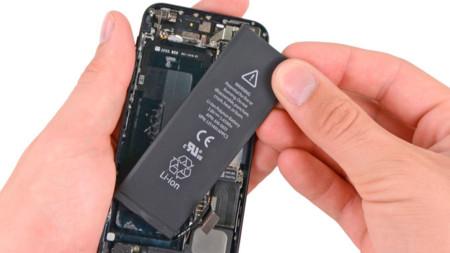 La batería del iPhone 5s es un 10% mayor que la del modelo anterior, pequeño incremento también en el iPhone 5c