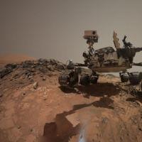 Los selfies de la Curiosity nos dejan fotos únicas de su trabajo en Marte