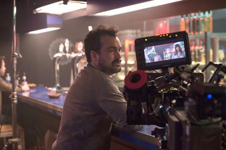 Nacho Vigalondo en el rodaje de 'Colossal'