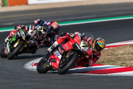 Vientos de cambio en el WSBK: Superbike tendrá una carrera más, a 10 vueltas y con puntuación diferente