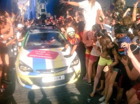 El coche de Google no sobrevive a la Tomatina: así lo han vivido en Twitter