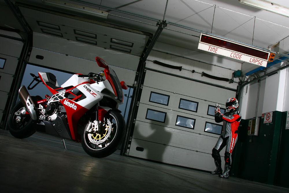 Foto de Bimota DB7 probada por Motociclismo.it (26/31)