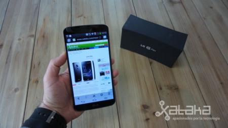 LG G flex en mano