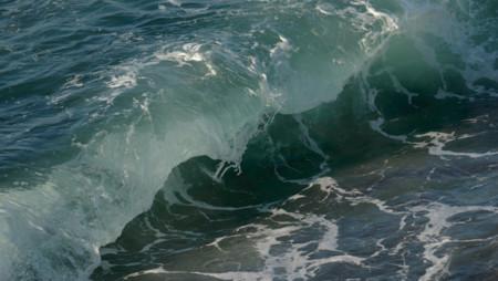 Esta pequeña desalinizadora sólo necesita el vaivén de las olas para poder funcionar