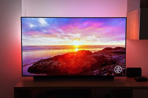 Philips Hue Play Sync Box + Lightstrip, análisis: montar un ambilight en cualquier tele es tan fácil (y espectacular) como caro
