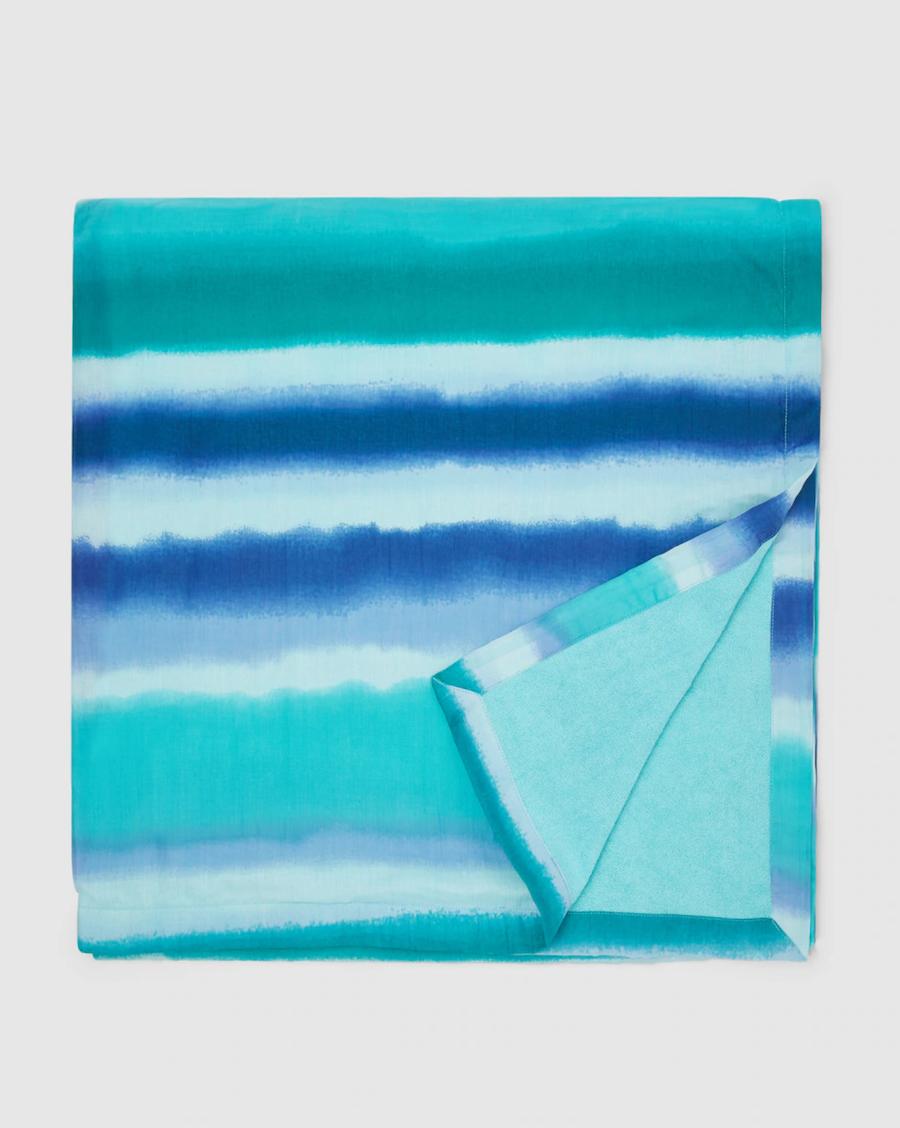 Kikoy en mezcla de algodón El Corte Inglés con rayas en azul