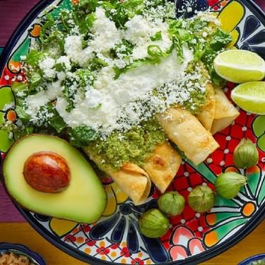7 cosas que no deberías hacer en la cena de la Noche Mexicana