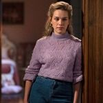 Los mejores looks de 'La maldición de Bly Manor': desde jerseys de punto hasta vaqueros y faldas midi, encontramos las prendas que todas deseamos esta temporada
