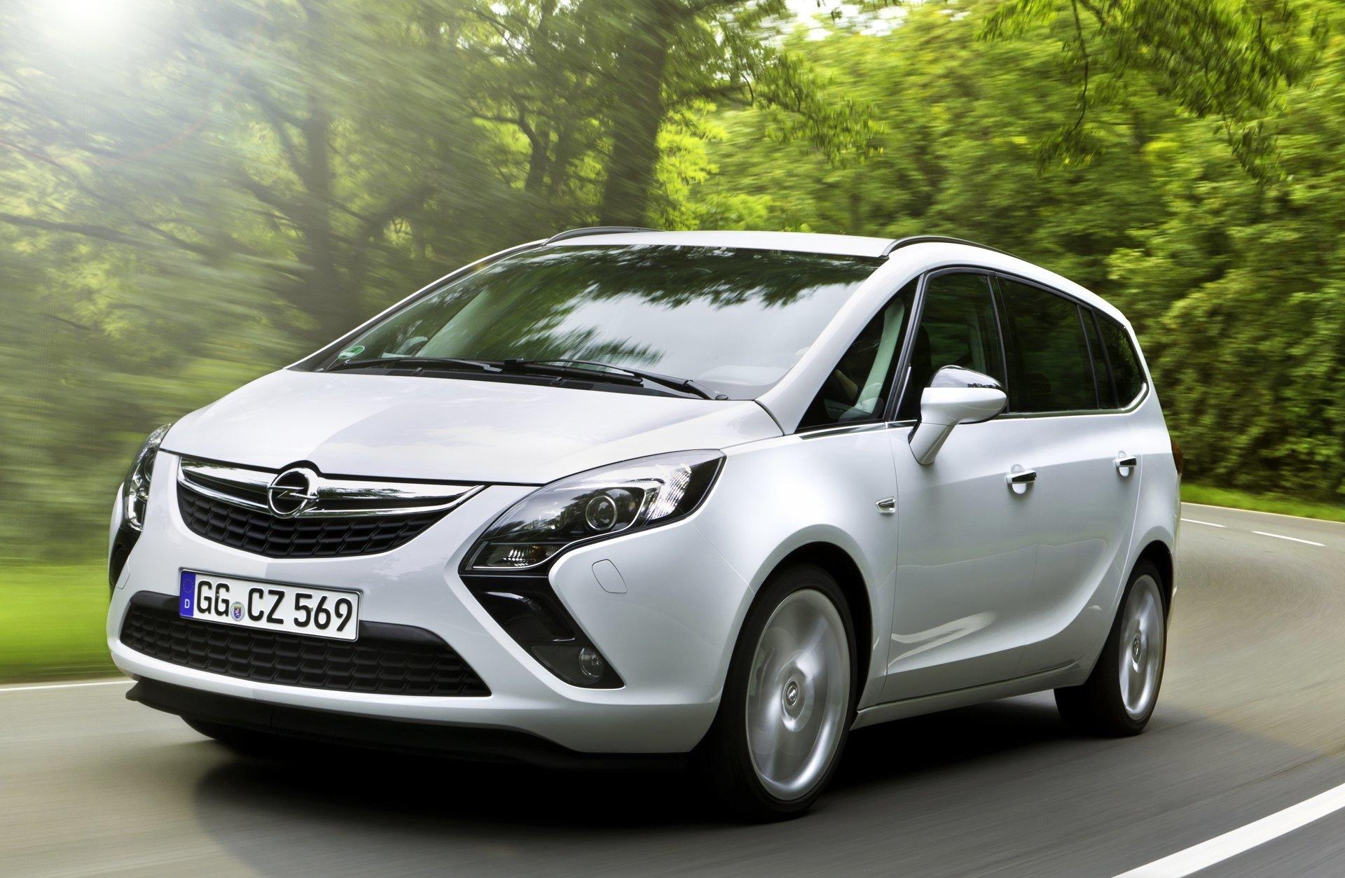 Foto de Opel Zafira Tourer (23/23)