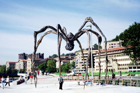 1024px The Guggenheim Bilbao Spider Sculpture 02 2005