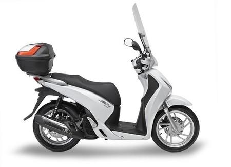 GIVI lanza su línea de accesorios para la Honda Scoopy SH125i