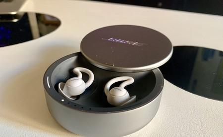 Probamos los nuevos Bose SleepBuds: unos auriculares para dormir a pierna suelta