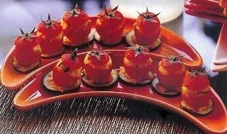 Tomatitos Cherry rellenos de brandada de bacalao