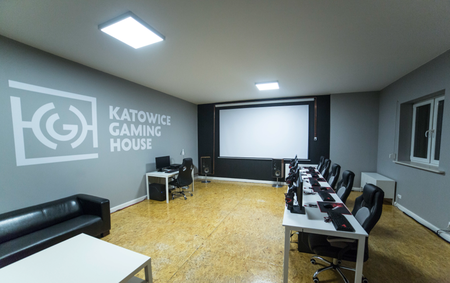 Gaming House 01