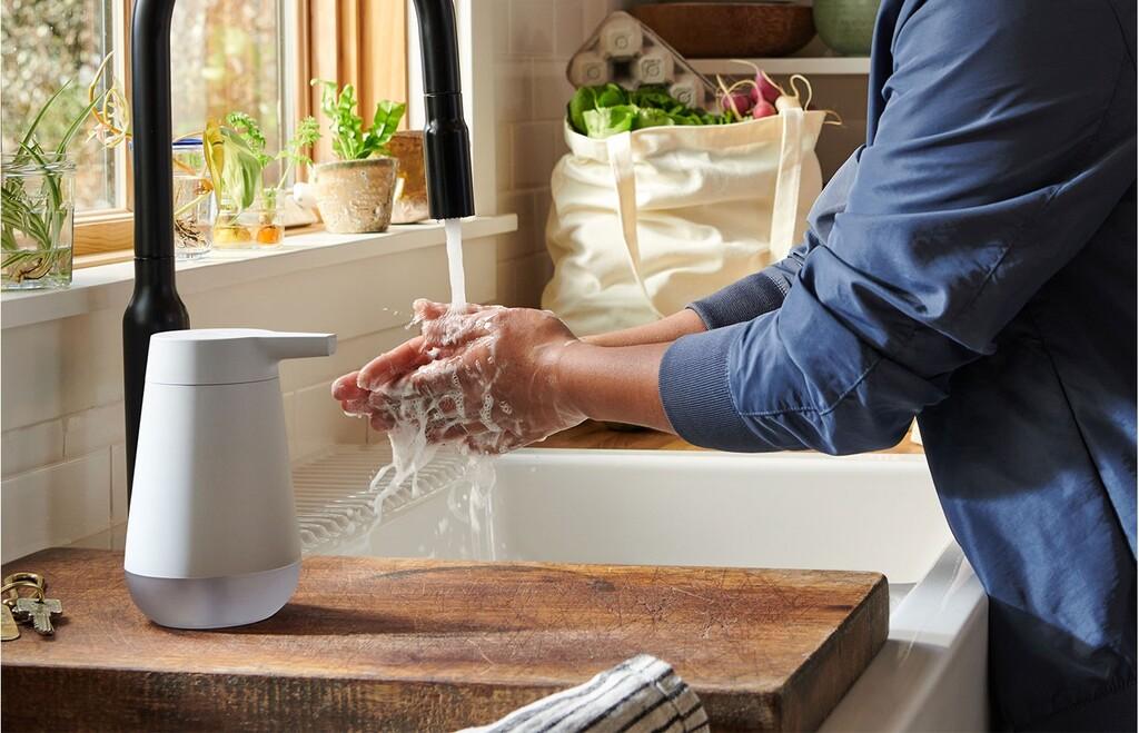 Amazon anuncia un curioso dispensador de jabón automático: con cuenta atrás LED de 20 segundos y compatible con Alexa
