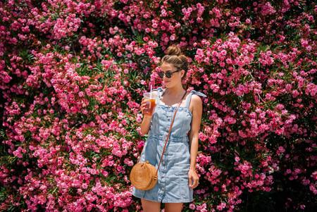 Instagram se obsesiona con los vestidos denim y estas 17 propuestas low-cost hacen imposible resistirse