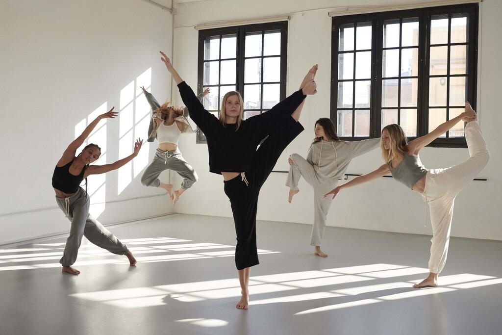 Oysho lanza su primera colección de Yoga Dance: ropa cómoda y con estilo para disfrutar del ejercicio