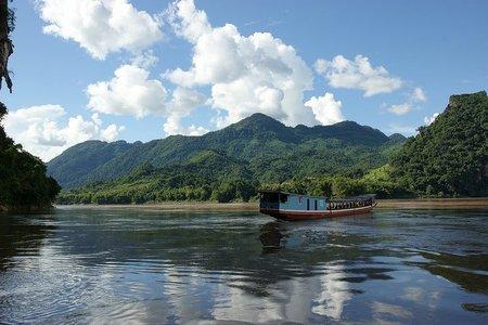 Laos: De Nong Khiaw a Luang Prabang en barco