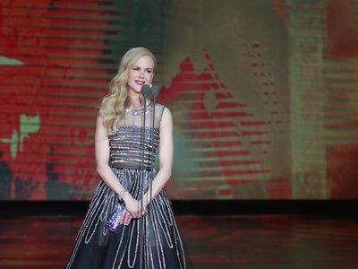 Nicole Kidman nos reafirma el mejor momento de Oscar de la Renta, ella también lo elige en Shangai