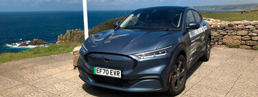 ¡Coche eléctrico plusmarquista! El Ford Mustang Mach-E consigue el Récord Guinness en consumo